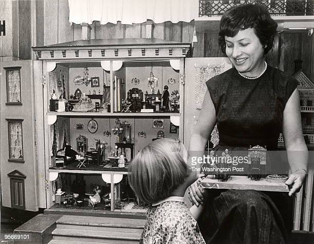 Mrs Flora Gill Jacobs Author of the book A World of Doll Houses and her 4 and a half year old daughter Amanda