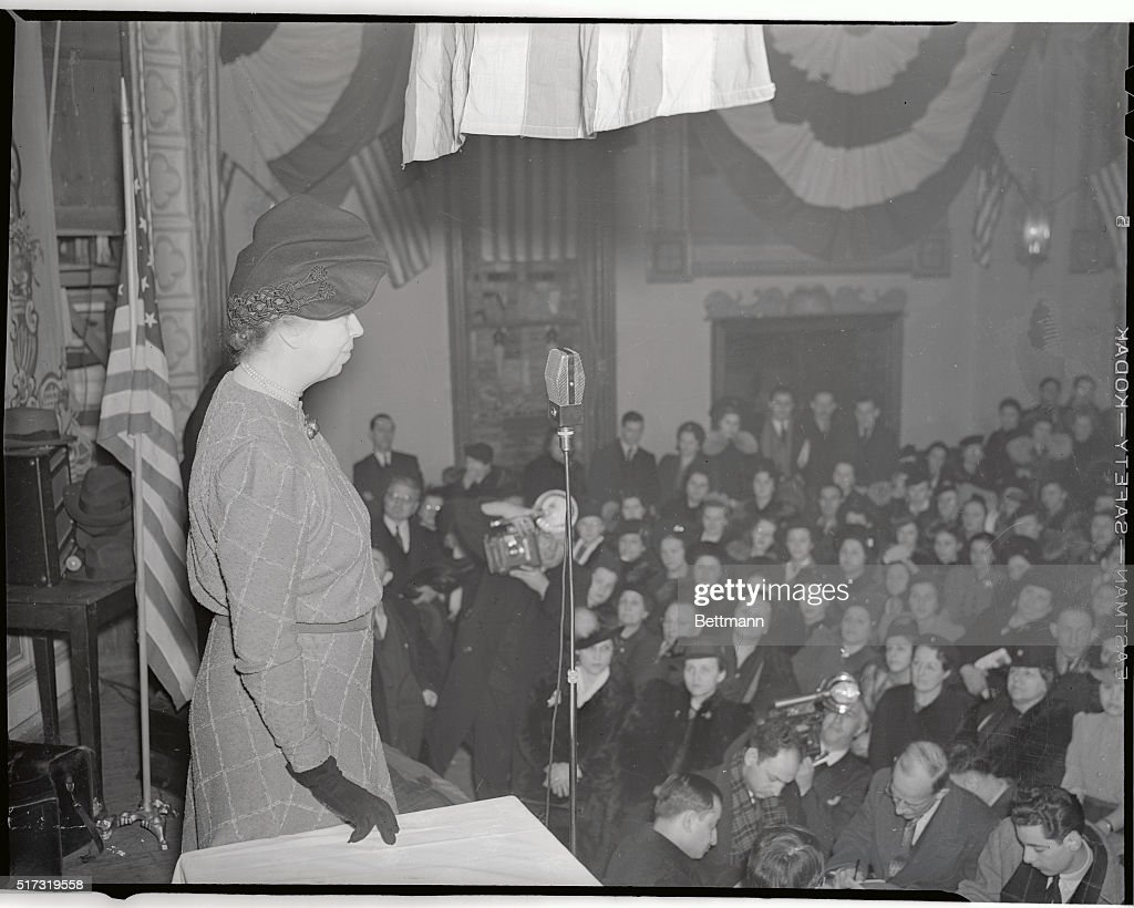 Mrs. Franklin Roosevelt Speaking to Striking Employees Pictures ...