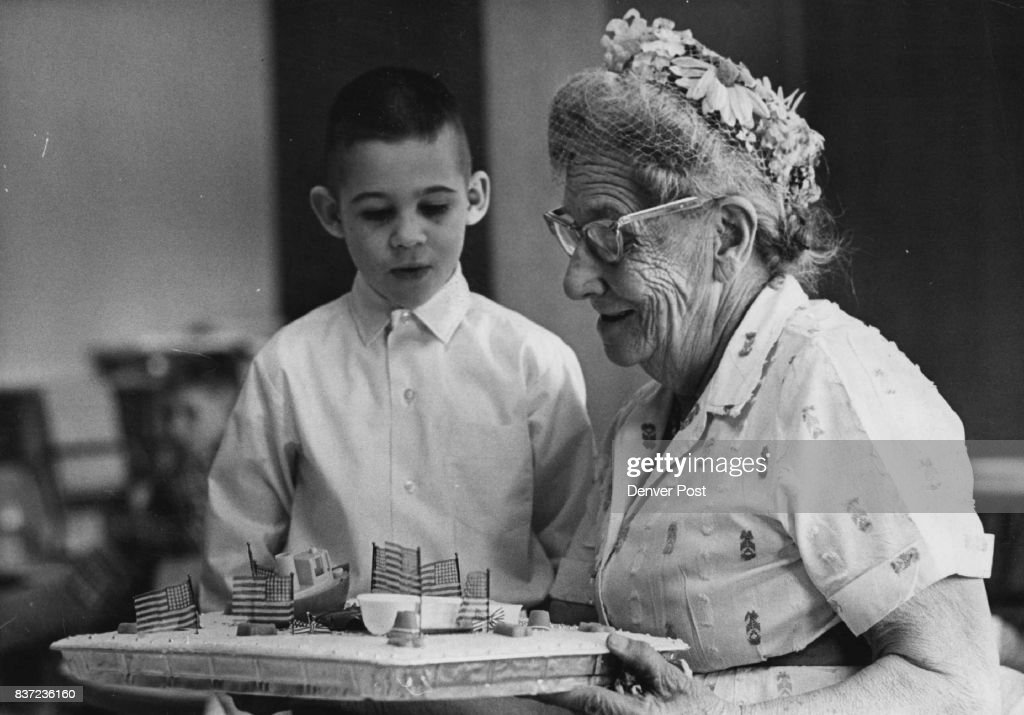 Sensational Mrs Fred Meyer Presents Birthday Cake To David Shapiro Skokie Funny Birthday Cards Online Inifofree Goldxyz