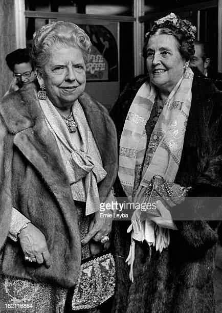 NOV 1973 NOV 29 1973 NOV 30 1973 'THE APPLE TREE' OPENS AT THEATRE Mrs John Galen Spencer left and Miss Caroline Ban¡croft attended the opening night...
