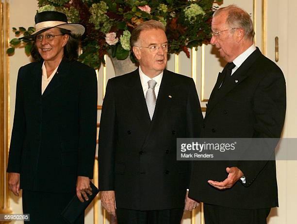 Mrs Maria Jose Ritta President Sampaio and King Albert pose for the official photo at the Royal Palace on October 18 2005 in Brussels The President...