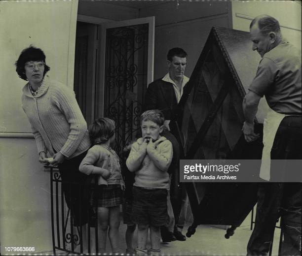 Mrs Pamela McLeodLindsay Children are Andrew McLeod Bruce and Alyson Removal van at the Sylvania home August 25 1965