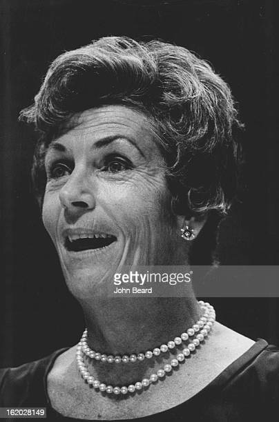 MAY 24 1972 MAY 25 1972 Mrs Patricia Riley Hitt She Called Senate Finance Committee's Plan Unsuitable