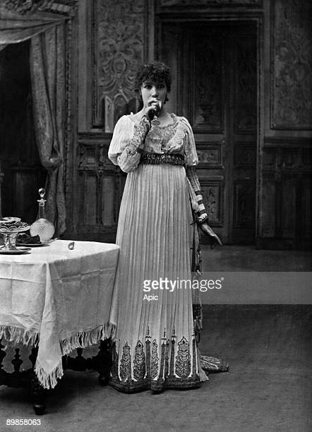 Ms Sarah Bernhardt in the role of Tosca in the play La Tosca VictorienSardou Sarah Bernhardt Theater extracted newspaper The theater in September 1904