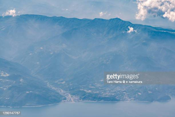 mt. amagi and pacific ocean in shizuoka prefecture of japan - taro hama ストックフォトと画像