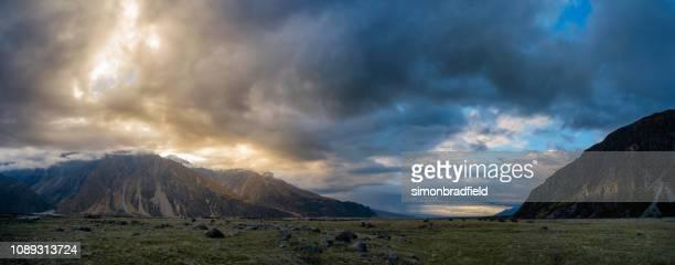 panorama del parque nacional de mt cook - mackenzie country fotografías e imágenes de stock