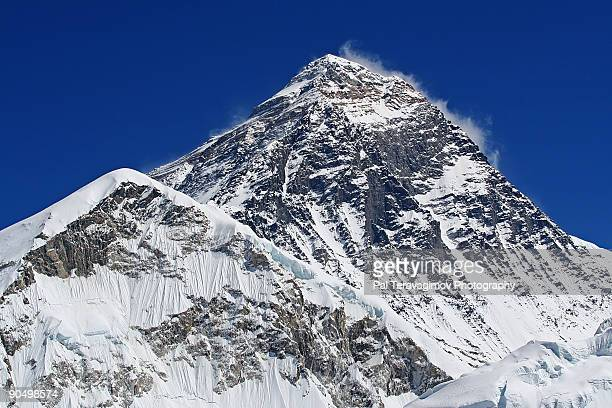 mt. everest - mt. everest stock pictures, royalty-free photos & images