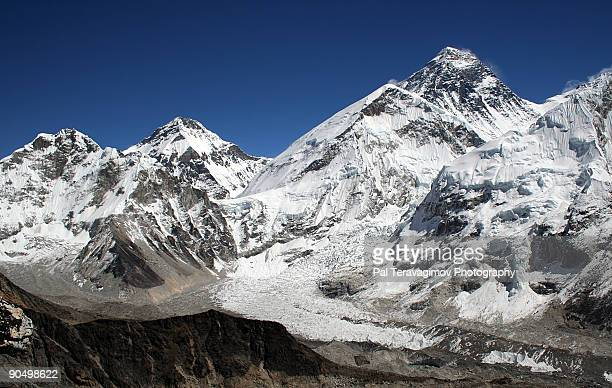 mt. everest. - khumbu stock pictures, royalty-free photos & images