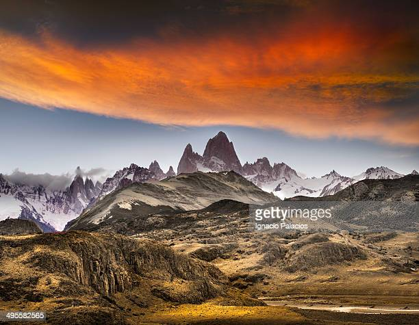 mt fitz roy and cerro torre from condor's lookout - chalten stock pictures, royalty-free photos & images