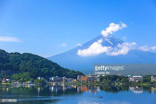 mt. fuji and lake kawaguchi, japan - yamanashi prefecture stock pictures, royalty-free photos & images
