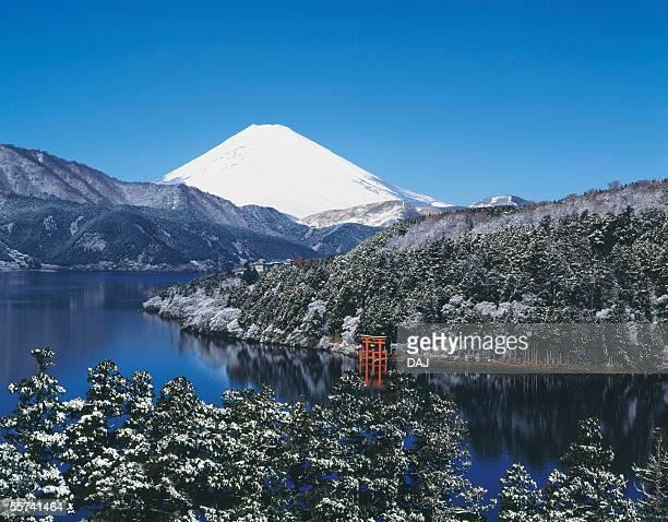 mt. fuji and lake - 一月 ストックフォトと画像