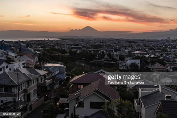 mt. fuji and the residential district by the sea in kanagawa of japan - 平塚市 ストックフォトと画像