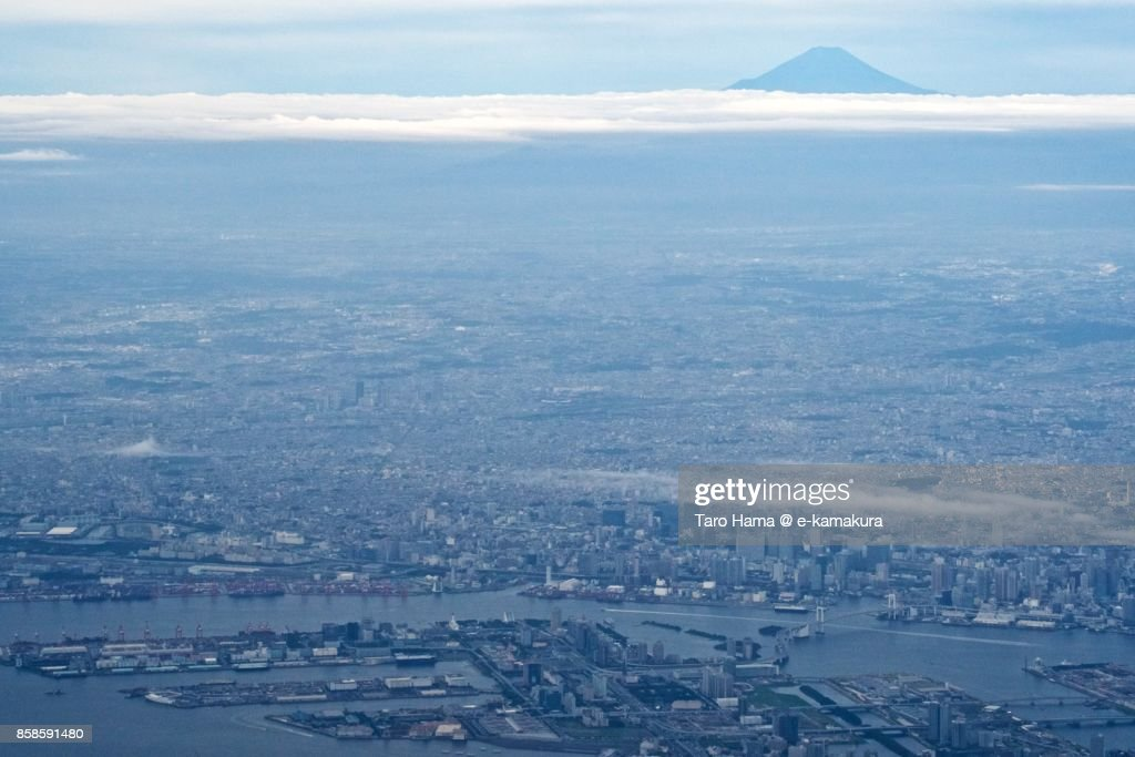 Mt. Fuji and Tokyo city in Japan daytime aerial view from airplane : Stock-Foto