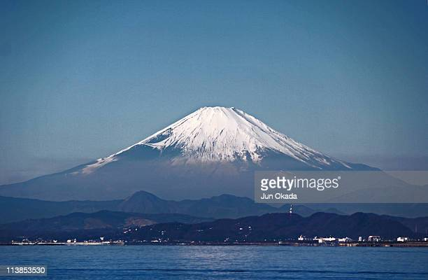 mt. fuji fron enoshima - kanagawa prefecture stock pictures, royalty-free photos & images