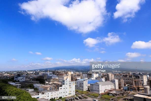 mt. fuji with modern urban architecture - mishima city - fotografias e filmes do acervo