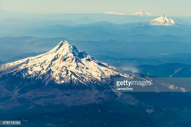 mt hood near portland, oregon, aerial view - mt hood stock pictures, royalty-free photos & images