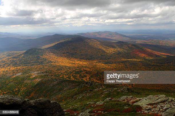 mt jefferson fall foliage view - cappi thompson stock pictures, royalty-free photos & images
