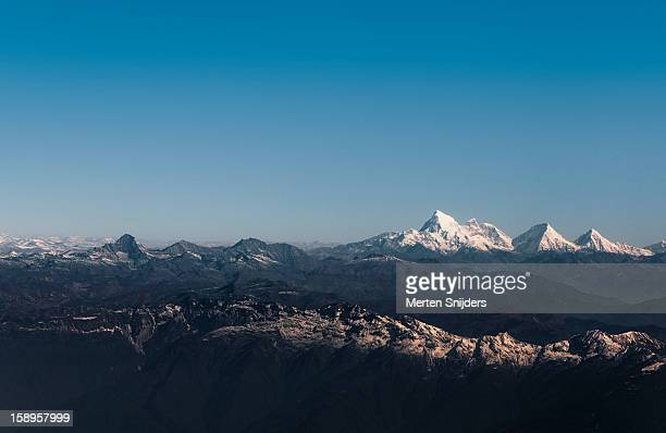 mt jomolhari in the east himalayas - merten snijders stock pictures, royalty-free photos & images