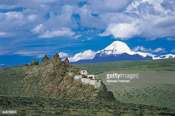 mt kailash, chiu gompa ngari province, tibet - mt kailash stock pictures, royalty-free photos & images