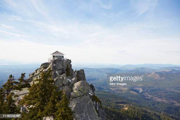 mt pilchuck fire lookout in remote landscape, leavenworth, washington, united states - remote location stock pictures, royalty-free photos & images