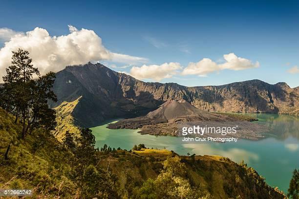 mt rinjani volcano - lombok fotografías e imágenes de stock