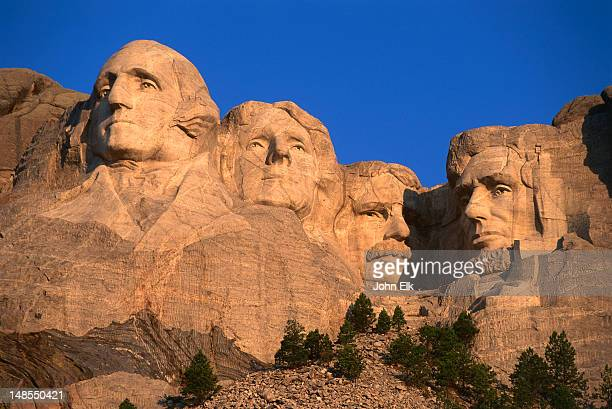 Mt Rushmore memorial carvings.