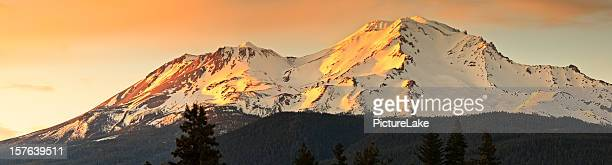 mt. shasta sunset panorama - mt shasta stock pictures, royalty-free photos & images