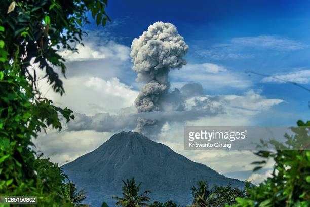 mt. sinabung eruption - volcanic activity stock pictures, royalty-free photos & images