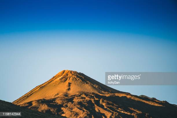 monte teide - cratere vulcano foto e immagini stock