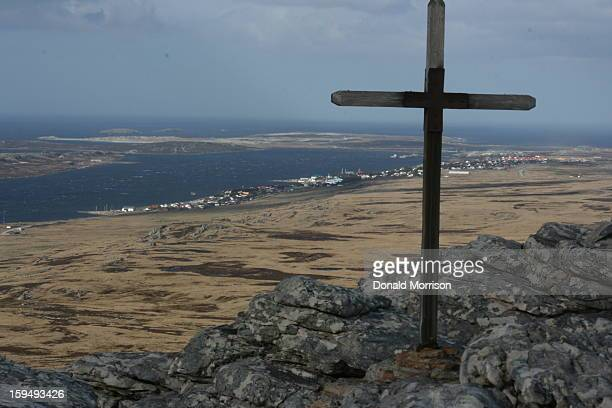 CONTENT] Mt Tumbledown with Stanley Falkland Islands in the background