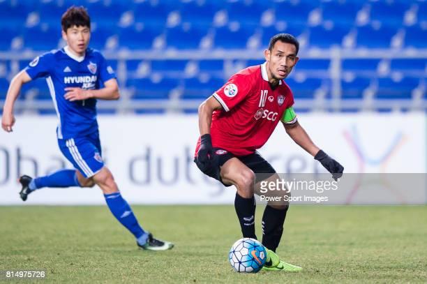 Muangthong Forward Teerasil Dangda in action during the AFC Champions League 2017 Group E match between Ulsan Hyundai FC vs Muangthong United at the...