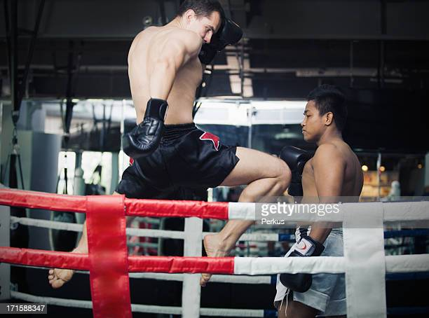 muay thai boxing - muay thai stock pictures, royalty-free photos & images