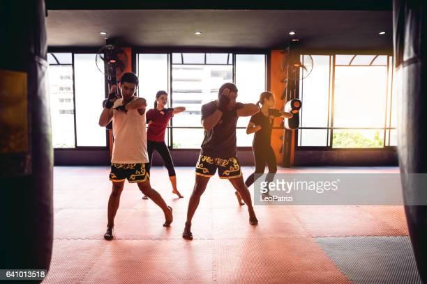 Muay Thai entrainement - motivation formation à l'installation de la salle de gym