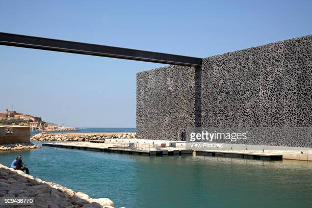 MuCEM Marseille France Architect Rudy Ricciotti 2013 Lateral view with walkway linking roof to Fort SaintJean