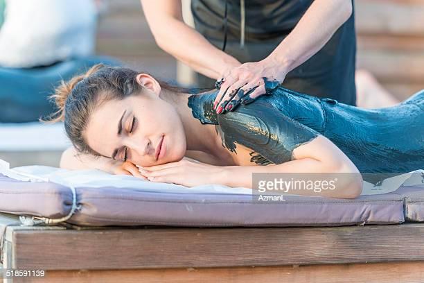 massage mit Schlamm
