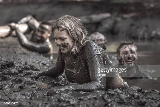 泥実行配偶者 - トレーニングキャンプ ストックフォトと画像