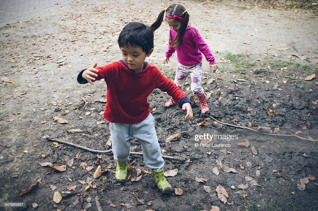 Muddy fun : Stock-Foto