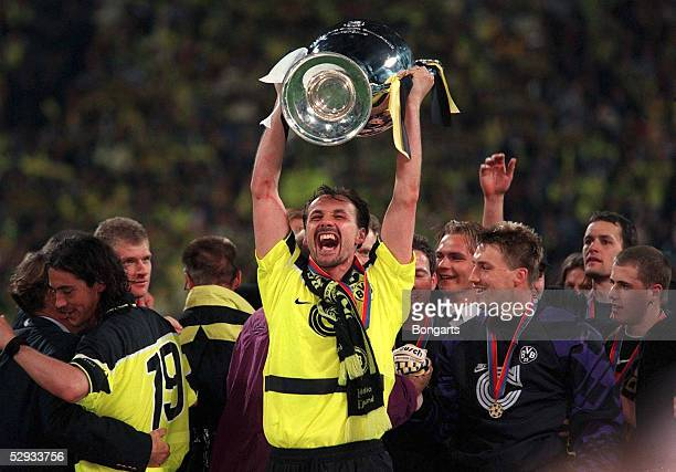 Muenchen 28.05.97, Jubel Juergen KOHLER mit Pokal/DORTMUND EUROPAPOKALSIEGER 1997