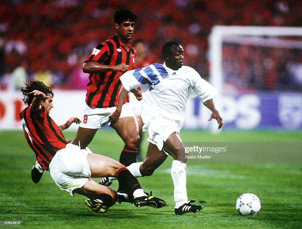 FUSSBALL: EUROPAPOKAL DER LANDESMEISTER 92/93, FINALE, AC MAILAND : News Photo