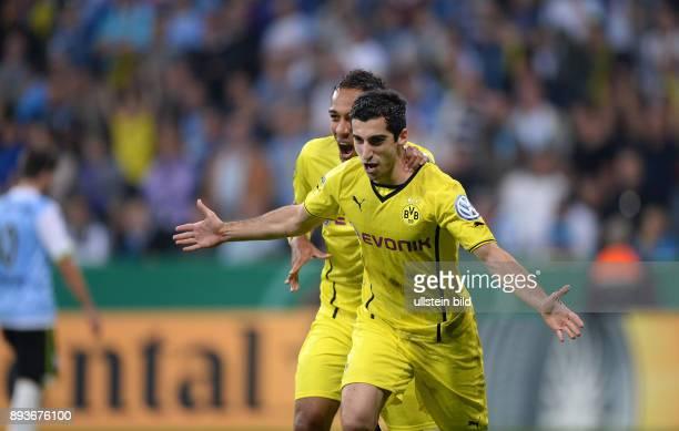FUSSBALL DFB Muenchen Borussia Dortmund JUBEL Dortmund Torschuetze zum 02 Henrikh Mkhitaryan und PierreEmerick Aubameyang