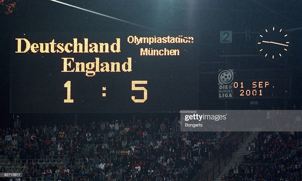 FUSSBALL: WM QUALIFIKATION 2001/GER - ENG 1:5 : News Photo