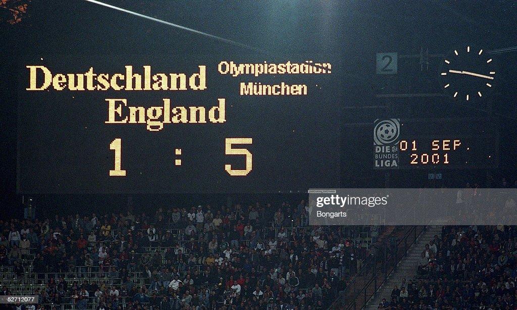 WM QUALIFIKATION 2001, Muenchen; DEUTSCHLAND - ENGLAND (GER - ENG) 1:5; ANZEIGETAFEL