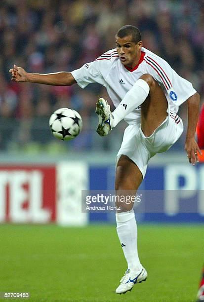 LEAGUE 02/03 Muenchen FC BAYERN MUENCHEN AC MAILAND 12 RIVALDO/AC MAILAND