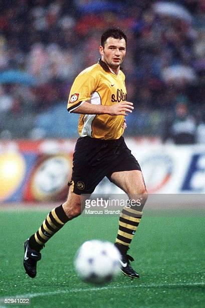 1 BUNDESLIGA 98/99 Muenchen FC BAYERN MUENCHEN BORUSSIA DORTMUND 22 Stephane CHAPUISAT/DORTMUND