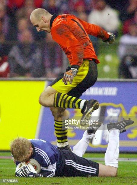 1 BUNDESLIGA 02/03 Muenchen FC BAYERN MUENCHEN BORUSSIA DORTMUND Jan KOLLER/DORTMUND TORWART Oliver KAHN/BAYERN