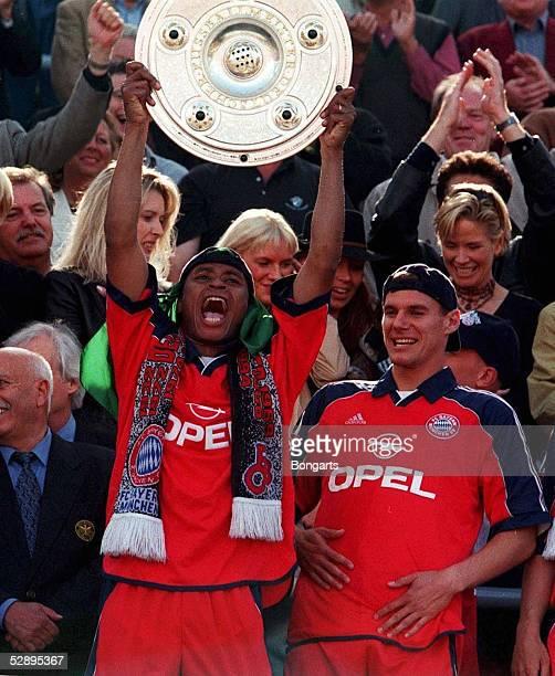 1 BUNDESLIGA 99/00 Muenchen FC BAYERN MUENCHEN SV WEDER BREMEN 31 BAYERN MUENCHEN DEUTSCHER FUSSBALLMEISTER 2000 Paulo SERGIO Alexander...