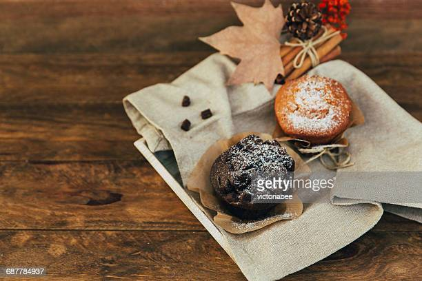 Muffins, dried fruit and spices