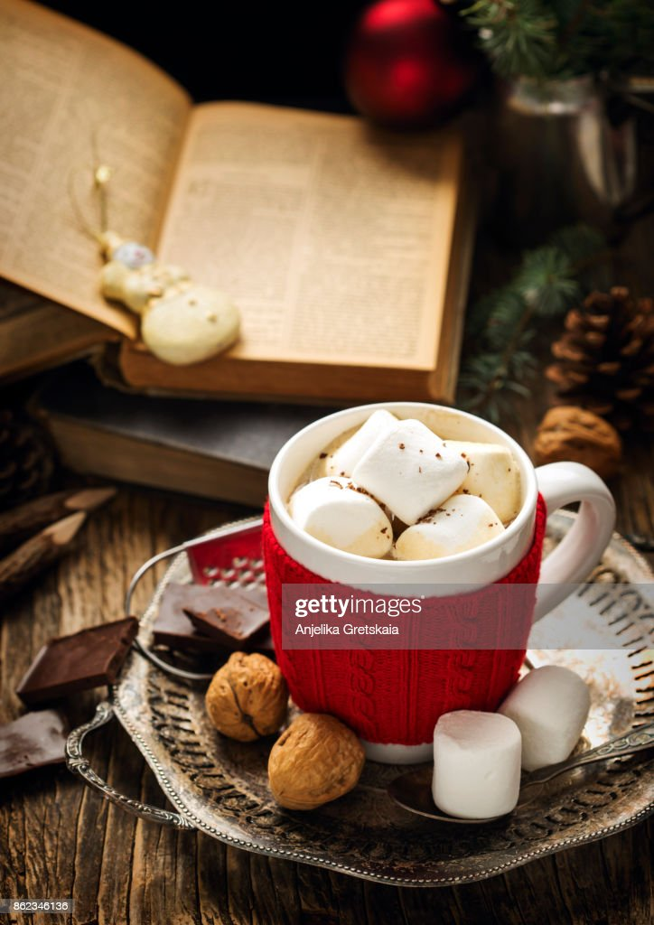 Mug filled with hot chocolate and marshmallows : Stock Photo