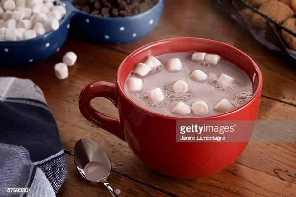 ホットチョコレートやマシュマロ