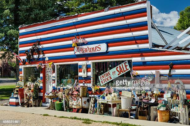 Mugwumps Thrift Store, Americana